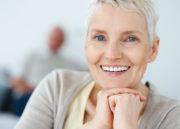 6 receitas de remédios naturais para você aliviar sintomas da menopausa!
