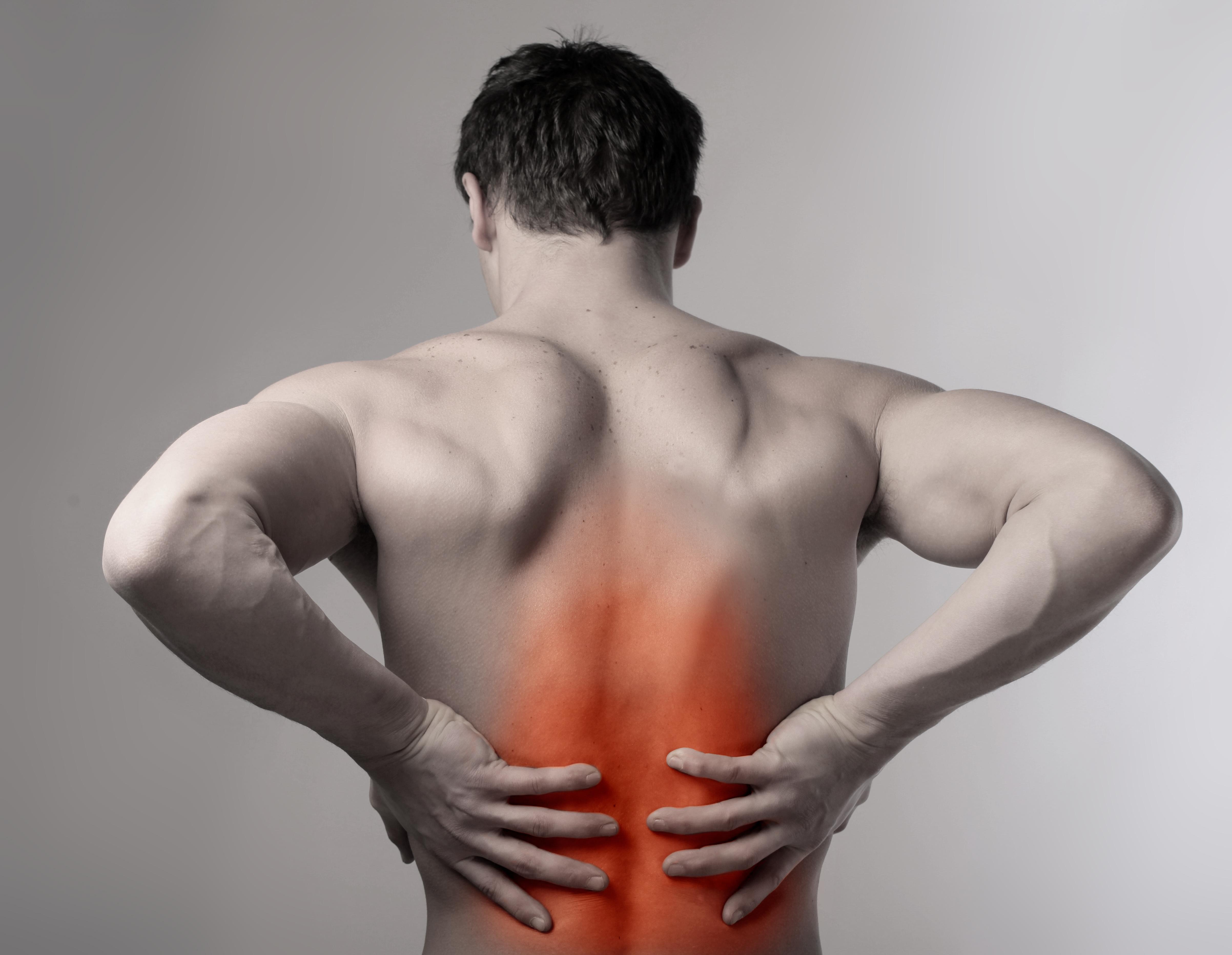 homem com dor devido a Fibromialgia