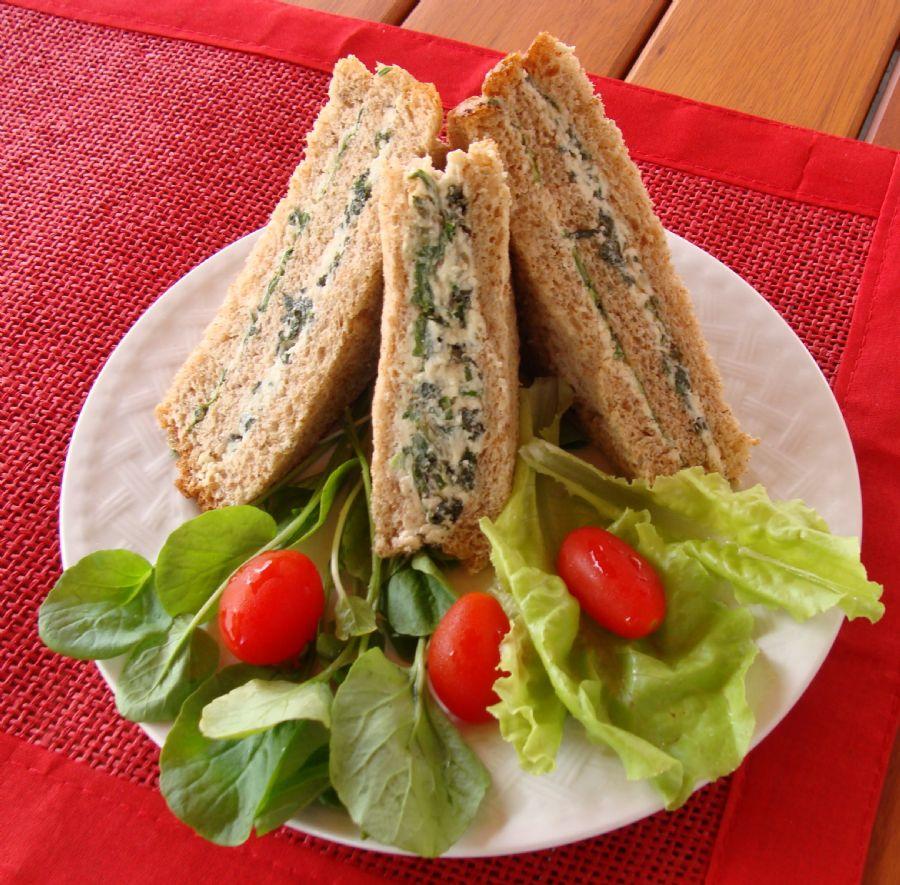 Lanches saudáveis com espinafre