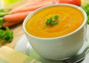 Sopa Detox: Aprenda aqui 5 receitas deliciosas para variar!