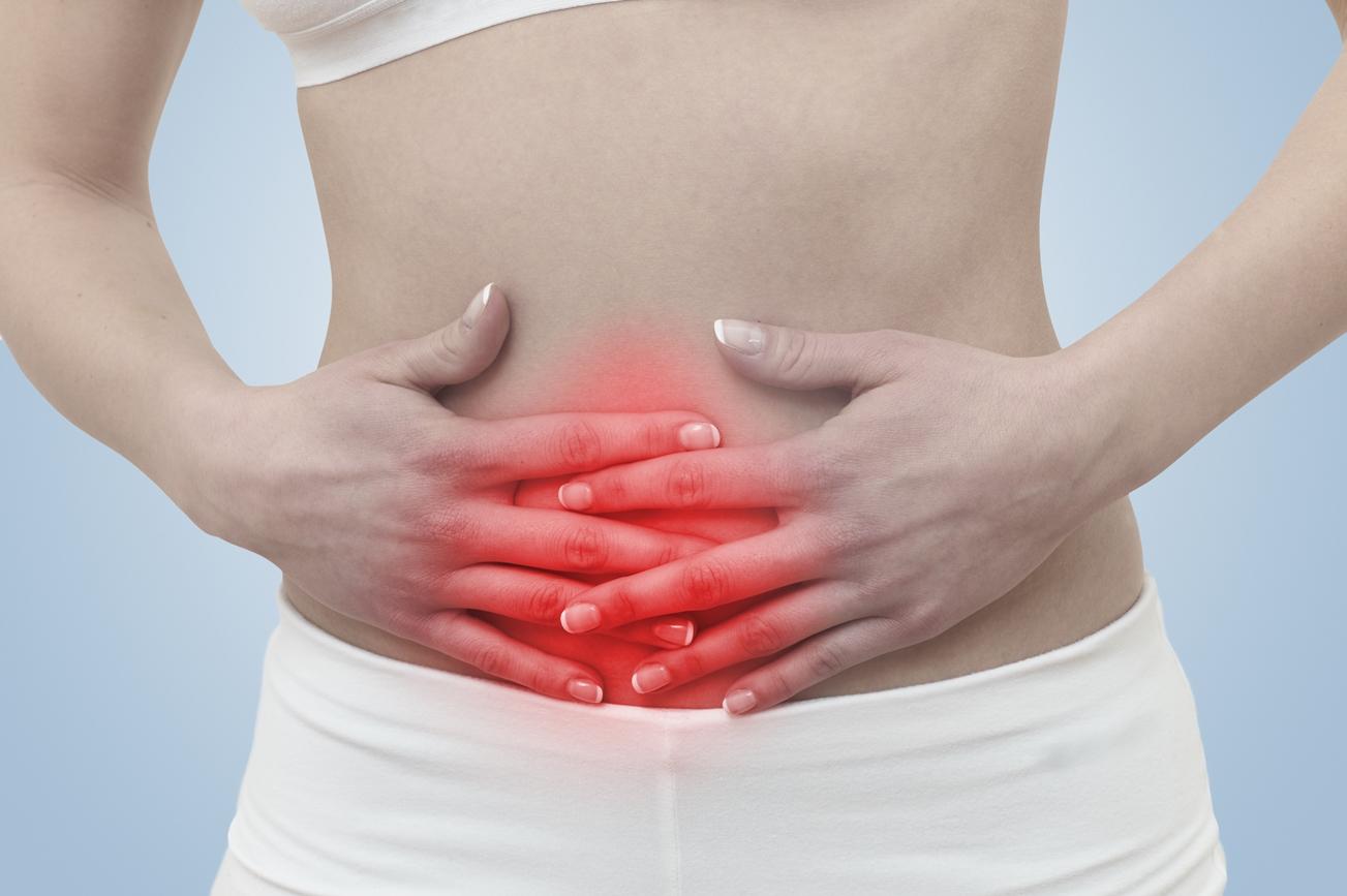 mulher com gastrite