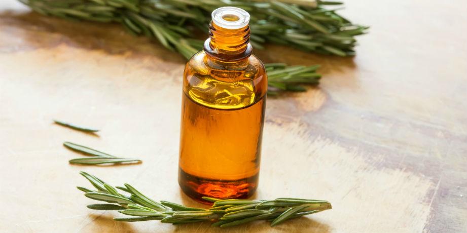óleo essencial de alecrim